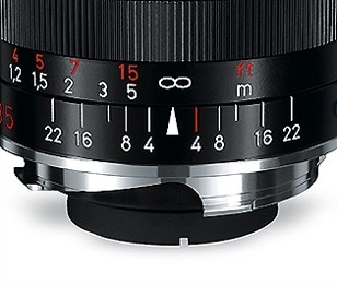 Zeiss Biogon 25mm f/2.8 ZM Lens