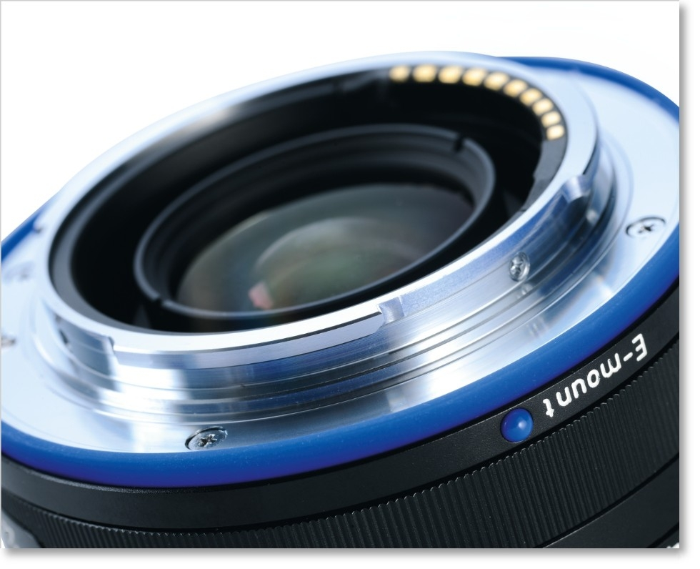 Zeiss Loxia 35mm f/2.0 for Sony E-Mount
