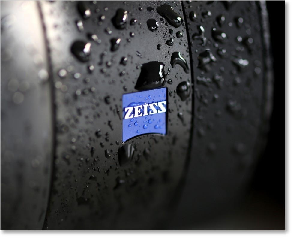 Zeiss Batis 135mm f/2.8 Robust and Weatherproof Telephoto Lens