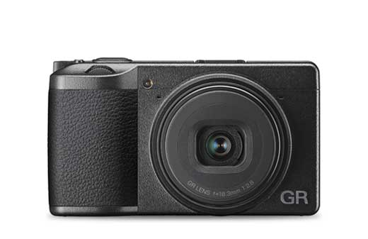 Shop Compact Cameras @ C.R.Kennedy